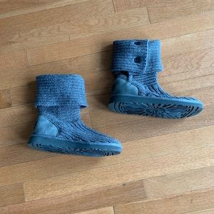 Women's gray knit size 6 Ugg boots